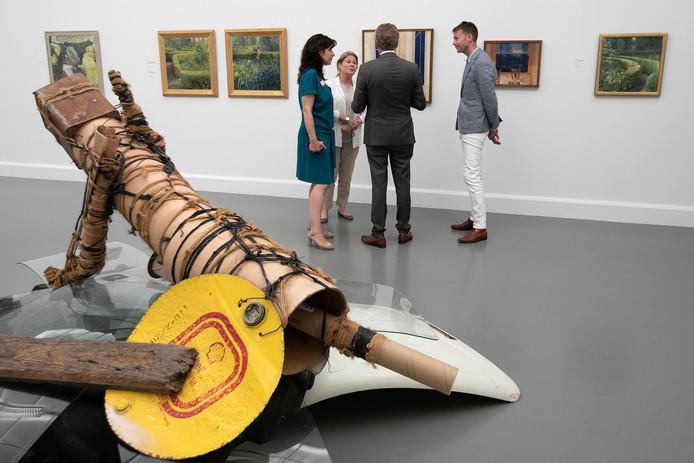 Beeld van de expositie  '30 jaar Heineken-prijs voor de Kunst' in het Van Abbemuseum.