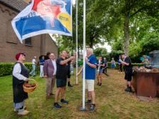 Wandelaars hebben voldaan gevoel na evacuatiewandeltocht tussen Putten en Huissen