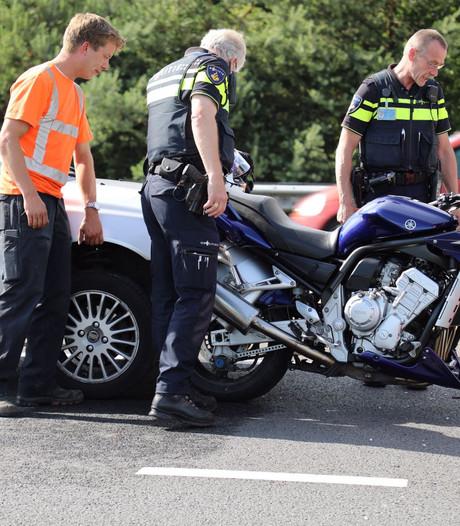 Aanrijding tussen auto en motor in Oldenzaal