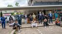 Minister Ferdinand Grapperhaus en de Tilburgse burgemeester Theo Weterings trokken donderdagmiddag twee uur door Tilburg-Noord. Om te praten met de wijkraad, jongerenwerkers en bewoners.