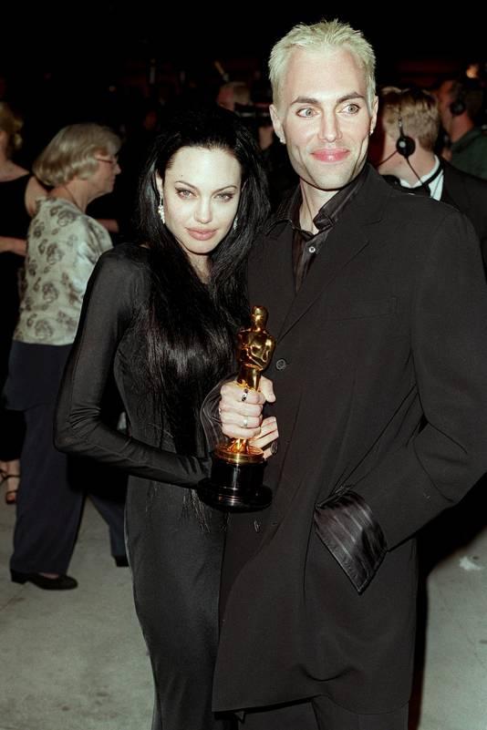 Angelina jolie original sin 2001 - 3 6