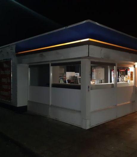 Twee Almeloërs en Wierdenaar opgepakt na inbraak in tankstation langs N36