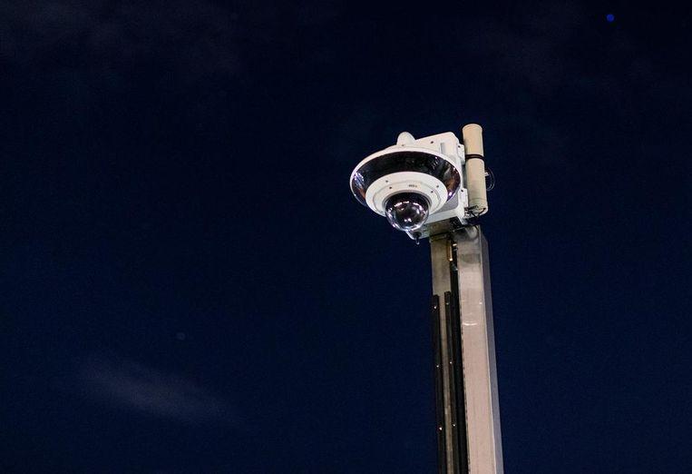 Een extra cameratoren moet voor meer controle en veiligheid zorgen in de wijk in Maassluis. Beeld Jiri Buller
