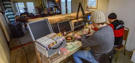 'Troostradio in coronacrisis, een tegengeluid waar streekgenoten van genieten'