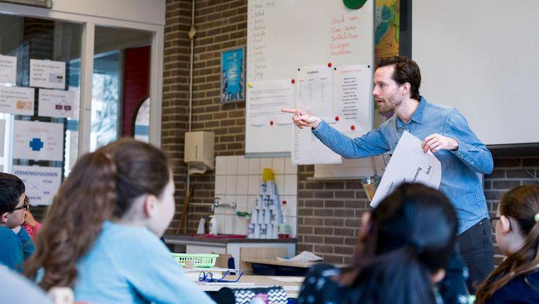 Ervaren docenten worden twee jaar gedetacheerd op een school die hulp kan gebruiken. Beeld Rink Hof