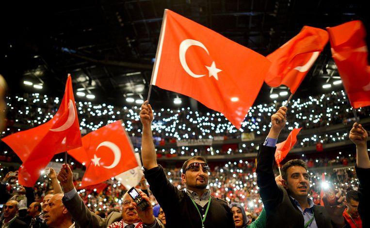 Aanhangers van Erdogan in Keulen. Beeld getty
