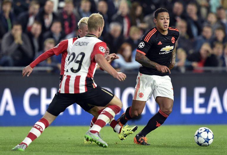 Memphis Depay speelt tegen zijn oude club PSV in het shirt van Manchester United Beeld ANP