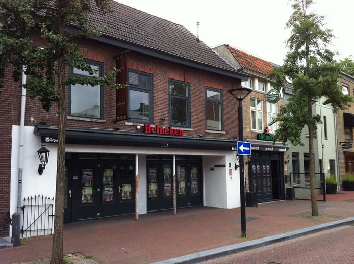 Café Fellini's aan de Eikenboomgaard staat sinds november leeg.