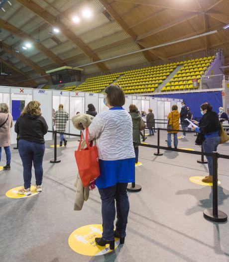 Inenting tegen corona in Eindhoven nog wat bescheiden gestart: 'En nu zo snel mogelijk opschalen'