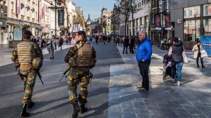 Militairen blijven tot begin augustus op straat