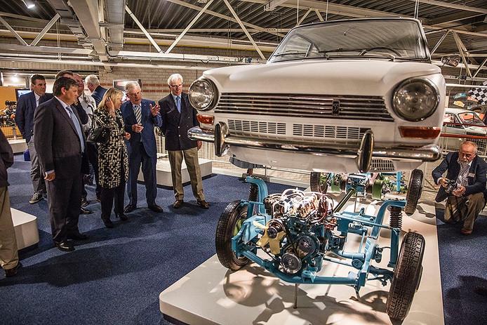 Minister Jet Bussemaker bezocht het DAF Museum