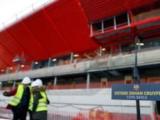 Barcelona eert Cruijff met standbeeld en stadion