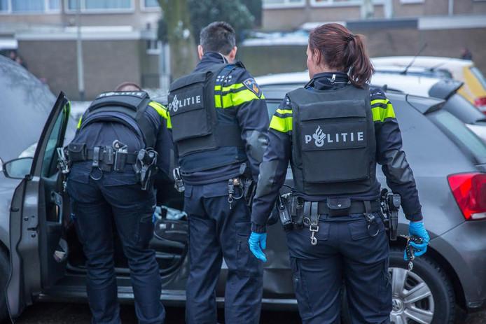 Politie doorzoekt Belgische wagen