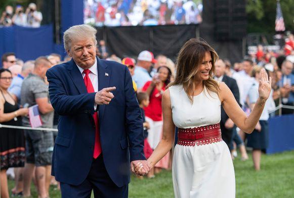 De Amerikaanse president Donald Trump en First Lady Melania Trump komen aan bij het 'Salute To America'-event.