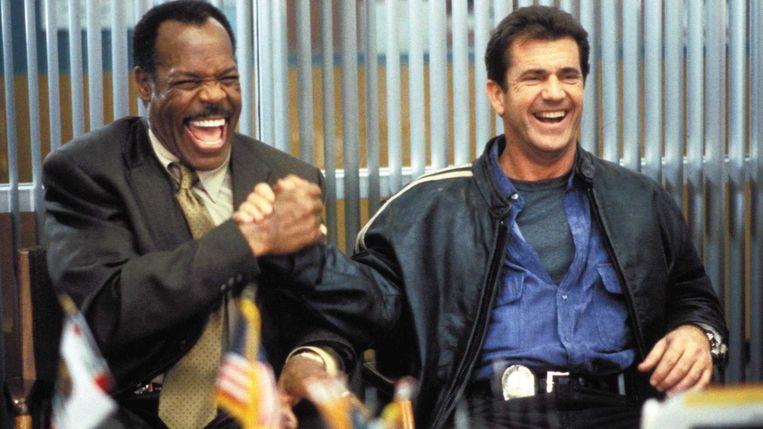 Danny Glover (links) en Mel Gibson in Lethal Weapon 4. Beeld