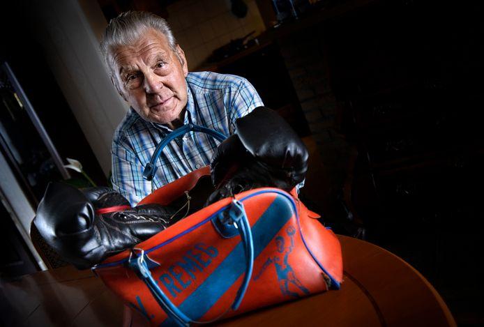 Koos Verspuy is alweer zo'n twintig jaar voorzitter van boksclub Gemert.