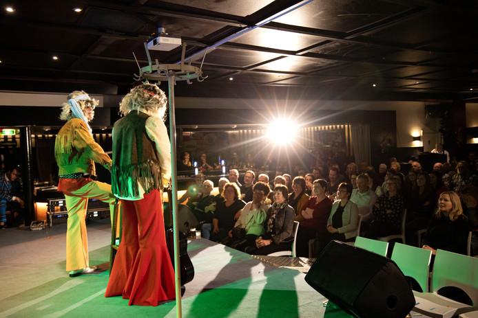 Walsberg Bont in Deurne met optreden van de hippies.