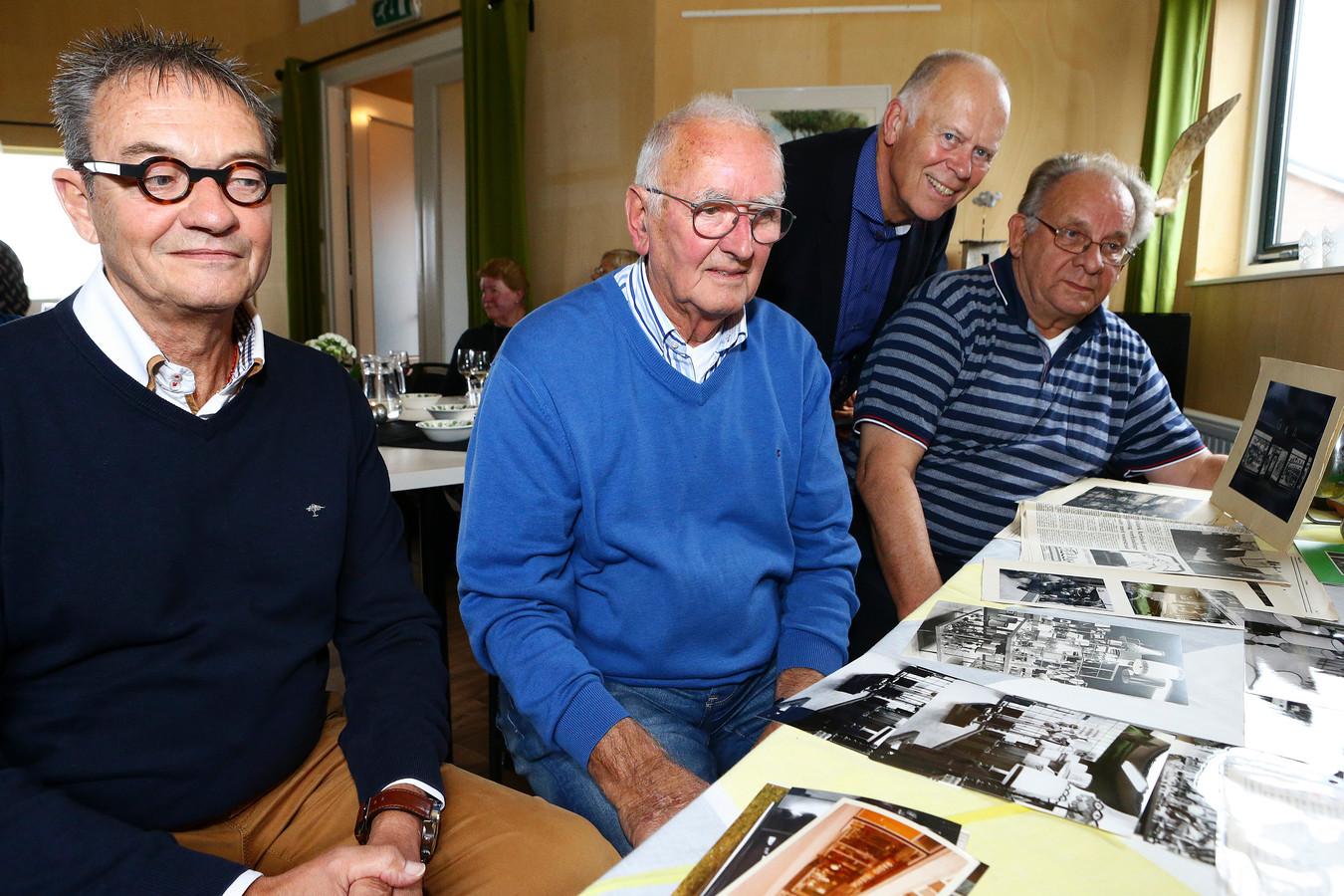 Omdat op het eeuwfeest van Installatiebedrijf Groen & Aldenkamp de geschiedenis niet tot zijn recht kwam, heeft Peter Groen, zoon van de oprichter, zaterdag nog een feest gegeven voor oud-personeelsleden onder wie Bas Prins, Kees Verwoerd en John de Groot.