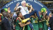 """Spelers Kameroen weigeren vliegtuig richting Africa Cup te nemen, ex-bondscoach Hugo Broos: """"Voor elk toernooi is er een probleem"""""""