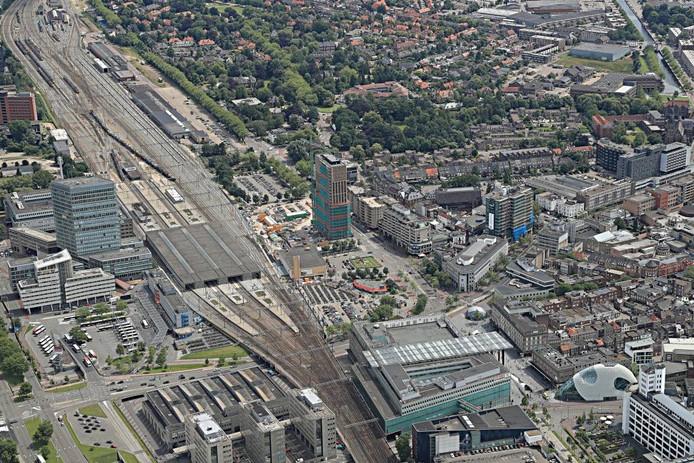 Nieuwbouw bij het station in Eindhoven. Foto Ronald Otter