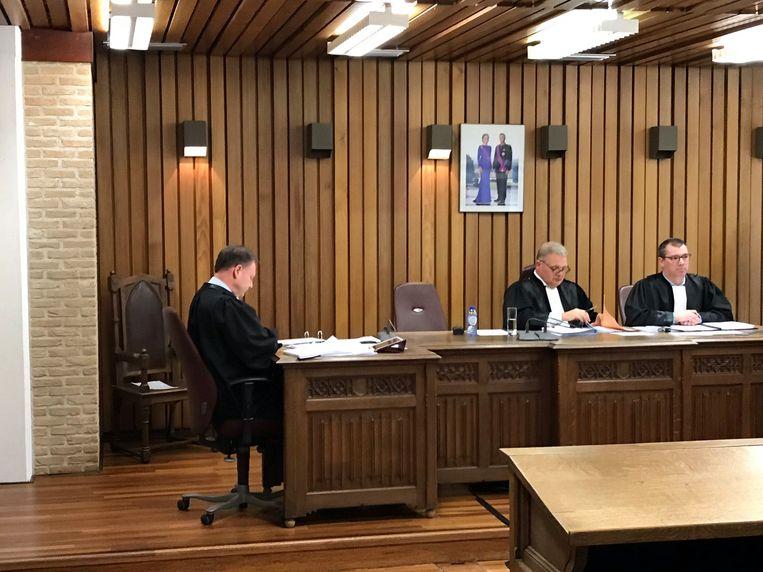Diego V. weigerde te komen naar de politierechtbank.