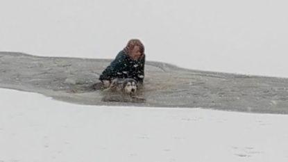 Vrouw redt hond uit ijskoud water nadat die door het ijs zakt