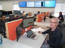 Bart van Bussel op zijn werkplek in het kantoor van ASML in Albany.