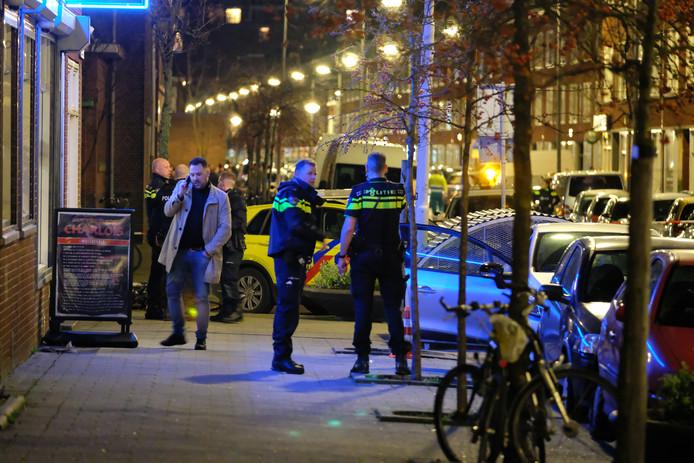 Bij de schietpartij raakten twee mannen van 19 en 22 jaar gewond.