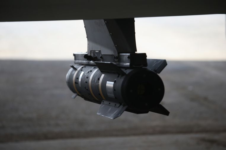De Hellfire-raket werd in de jaren tachtig ontwikkeld om de duizenden Russische tanks uit te schakelen. Na de aanslagen van 9/11, hadden de VS een raket nodig om onbemande vliegtuigen te bewapenen. Na een geslaagde aanval in Jemen, groeiden de Hellfire en de Predator-drone snel uit tot Amerika's favoriete wapens tegen terreurgroepen.  Beeld null