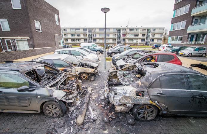 De ravage in de Thorbeckestraat in de Nijmeegse wijk Hatert.