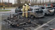 Vier auto's uitgebrand op parking van station, parket stuurt deskundige