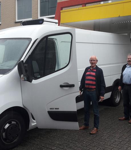 Cadeau voor de voedselbank:  bus van 32.000 euro