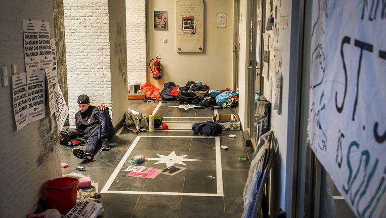Een actievoerende student in het bezette Maagdenhuis. Beeld anp
