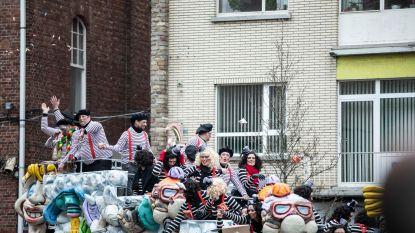 IN BEELD: Carnavalsweekend in Limburg valt nét niet in het water, hevige wind houdt volk niet thuis