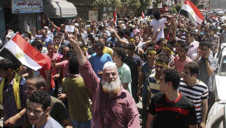 Aanhangers van de afgezette Morsi demonstreren vandaag tegen het regime van Al-Sisi. Hij zette Morsi een jaar geleden af. Beeld reuters