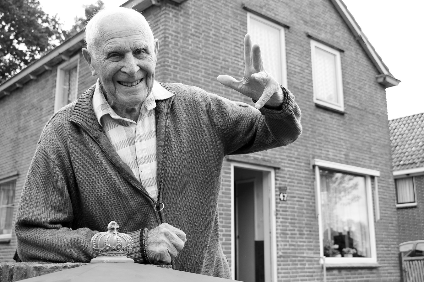 Eelke Bakker uit Dokkum, was de oudste man van Nederland. Hij overleed begin mei op 109-jarige leeftijd.