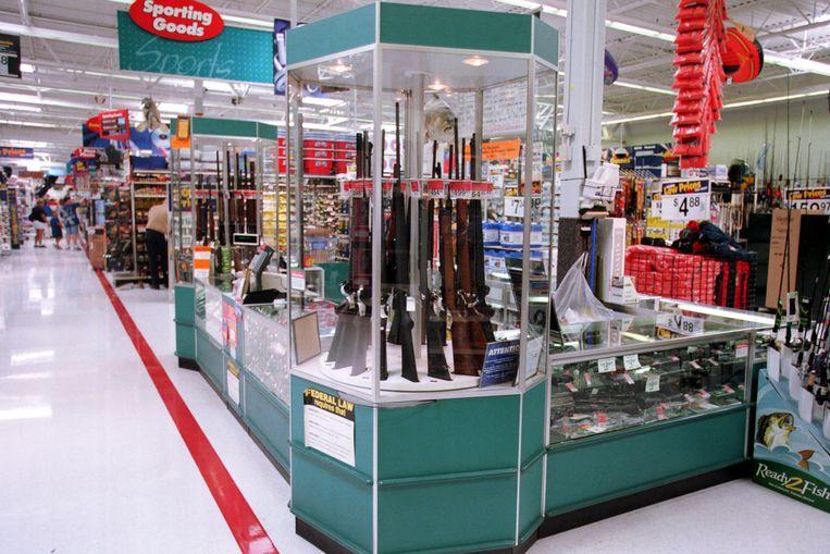 Wapenverkoop in een Walmart (archiefbeeld). Beeld Getty Images
