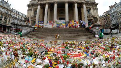 """Brussel zet boodschappen online die achtergelaten werden aan Beurs en Maalbeek: """"Herinnering aan formidabele solidariteit"""""""