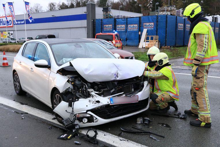 Bij het ongeval viel één lichtgewonde.