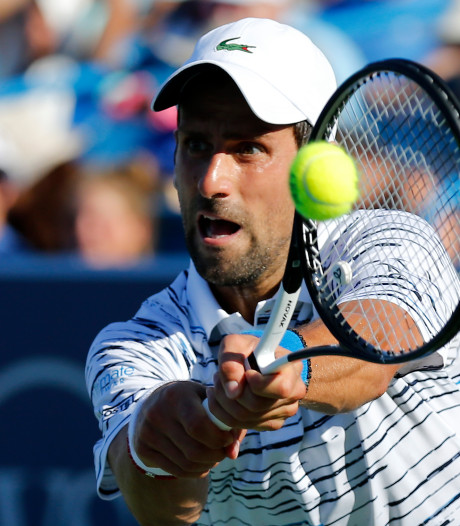 Djokovic slaat zich zonder problemen een ronde verder