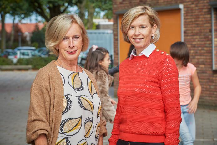 "Jeanne van den Brand (l)  en Nicole Westhoff werken allebei voor Kiem: ,,It takes a village to raise a child."""