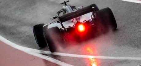 Hamilton zet meteen de toon, derde tijd voor Verstappen