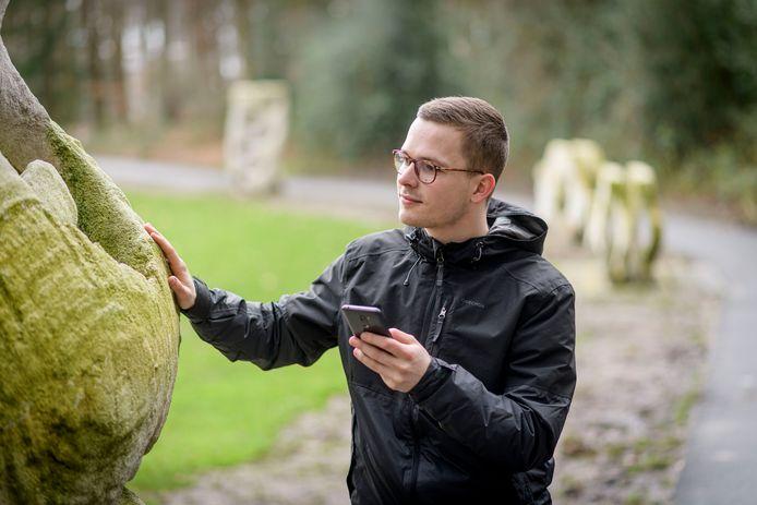 UT-student Thomas Sierink heeft een app bedacht voor de beveiliging van buitenkunst.