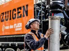 Piet (49) is grondzuigmachinist: 'Sommige aannemers hebben geen idee wat ik kom doen'