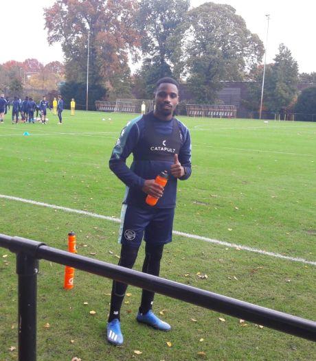 Applaus voor Kabangu: Willem II'er lag met corona op ic en is na drie maanden terug op trainingsveld