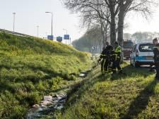Weer drugsafval gedumpt in sloot naast A58 bij Tilburg