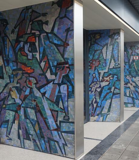 Na jaren in het donker springen de Wederopbouw-mozaïeken van station Tilburg weer in het oog