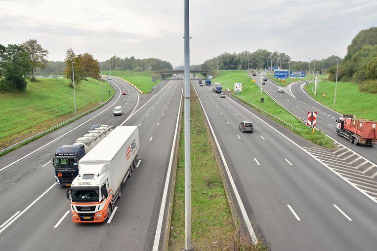 Het dodelijk ongeval gebeurde ter hoogte van het knooppunt 'het Ei', op de E17 in Kortrijk.