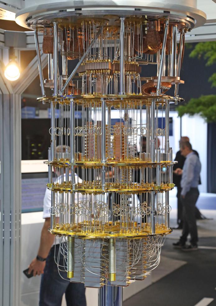 Microsoft is niet de enige die inzet op kwantumcomputers. Hier een prototype dat IBM in juni tentoonstelde op de computerexpo van Hannover, Duitsland.