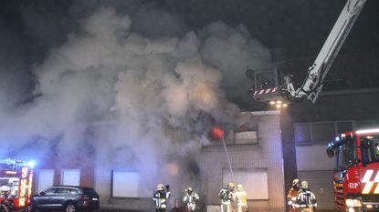 Bulldog Boomer wekt bewoner bij brand